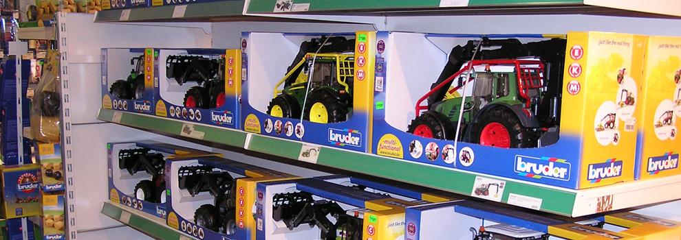 Spielzeug im Kiebitzmarkt Spritzmühle in Neuhof